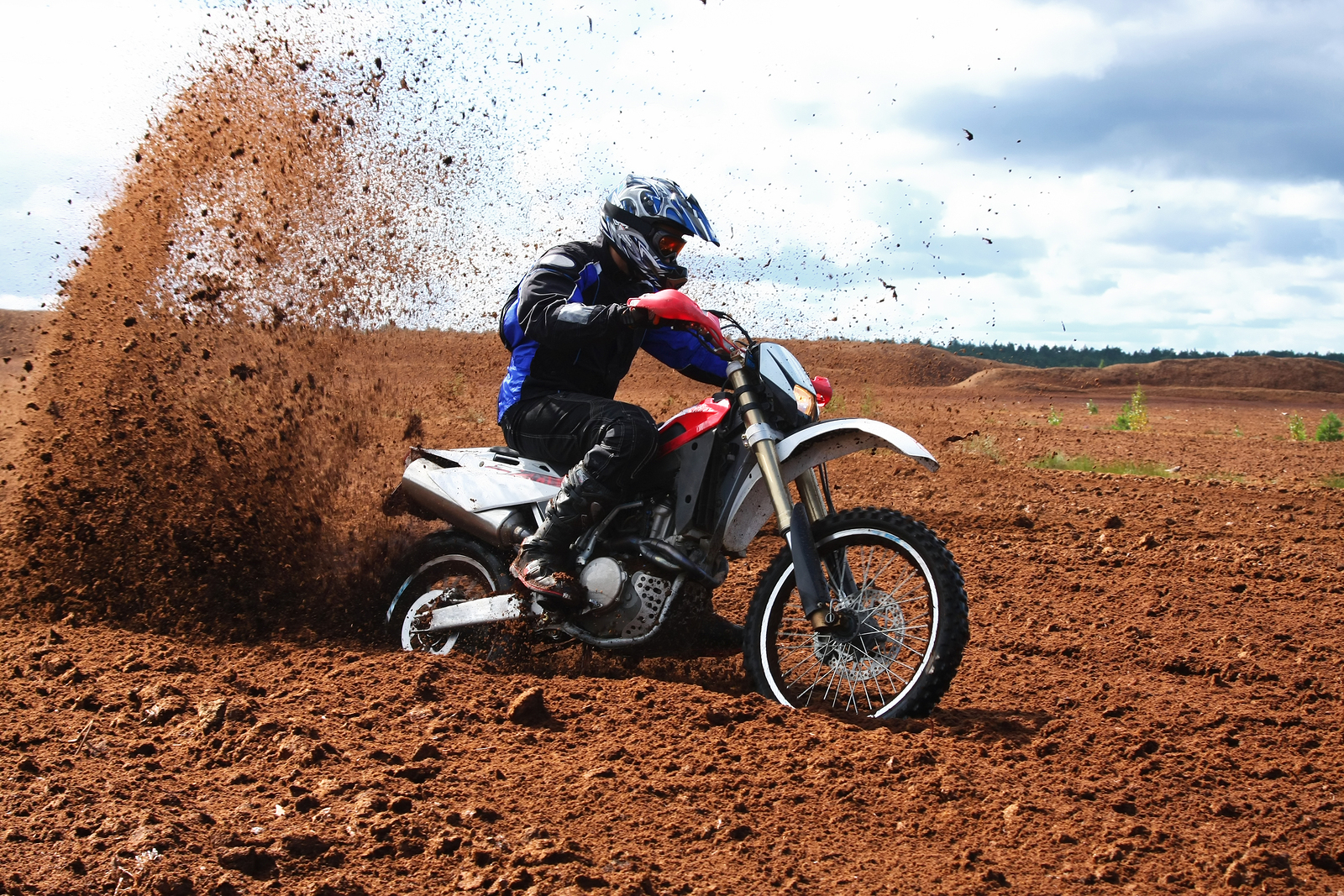 Dirt Bikes 4 You right dirt bike engine for